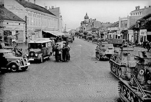 1941. година, Трг Краља Милана, поглед према Улици Вожда Карађорђа. Немачки војници и војна возила