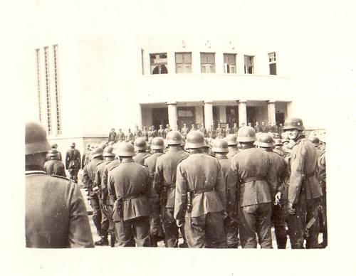 12.03.1944. година, немачки војници пред Народним позориштем