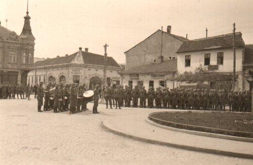 Други светски рат, данас Трг Павла Стојковића, поглед на улицу Обилићев Венац (на овом месту је сада бе