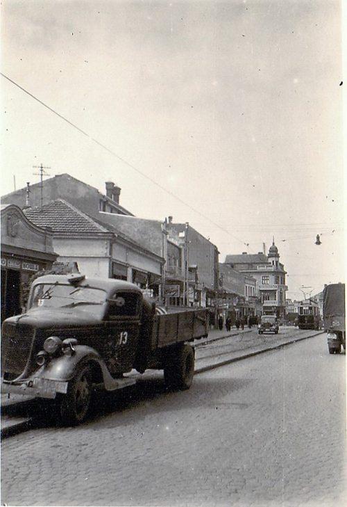 Други светски рат, Улица Вожда Карађорђа, поглед према Тргу Краља Милана и даље према Улици Генерала М