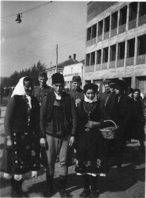 Други светски рат, улица Николе Пашића и зграда Шегртског дома у изградњи, данашња Скупштина града