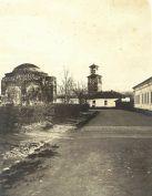 Први светски рат, унутрашњост Тврђаве. Лево Бали-бегова џамија, право Сахат кула, десно војни објекат.
